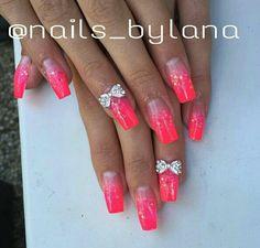 @nails_bylana