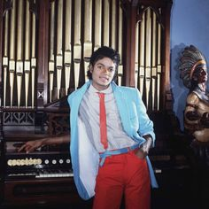 Michael photographed by Isaac Sutton, 1983. ° ° ° ° ° #michaeljackson #1983 #kingofpop #thriller #mj #music #1980s #retro #popculture #80s…