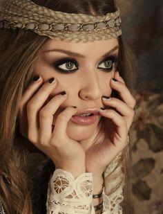 d773a8c61 Hermosos accesorios y maquillaje! Maquillaje Facil, Maquillaje Hippie,  Maquillaje Novia, Moda Estilo