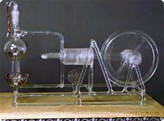 【動画】これはわかりやすい!蒸気エンジンの仕組みをガラス細工で再現