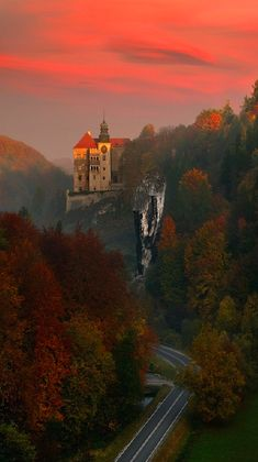 Pieskowa Skała Castle near Sułoszowa in Ojców National Park, Poland • photo: Pawel Kucharski on 500px