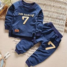 "6-9 MONTHS Baby Boys Blue /""Vlad/"" Knitted Jumper /& Trousers 2pcs Set"