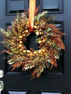 gorgeous autumn wreath front door decoration ideas natural materials
