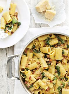 Rigatoni with Pork, Lemon and Spinach and Other Weekday Recipes: Ricardo Yummy Pasta Recipes, Dinner Recipes, Cooking Recipes, Healthy Recipes, Pork Recipes, Dinner Ideas, Confort Food, Ricardo Recipe, Pasta Al Dente