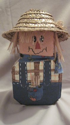 Judy Mason will show you how to make this keystone brick figure for you Fall decor at Leisure Craft Camp 2012.