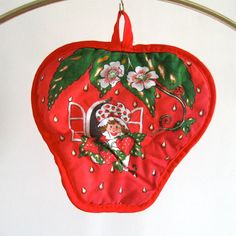 Vintage Strawberry Shortcake pot holder 1980s red by stephieD, $16.00
