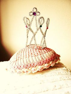 Pipecleaner Crown