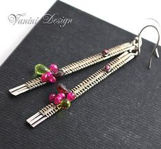 I'd like to simulate this with bead weaving Wire Wrapped Earrings, Wire Earrings, Earrings Handmade, Handmade Jewelry, Enamel Jewelry, Metal Jewelry, Beaded Jewelry, Jewlery, Zipper Jewelry