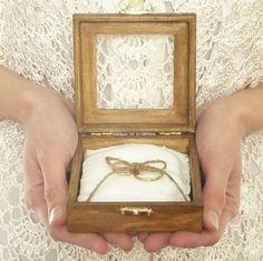 Alternativen zum klassischen Ringkissen bei der Hochzeit Bild 12                                                                                                                                                                                 Mehr