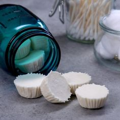 How to Make Cold-Soothing Shower Bombs - Stuffed up? Pop one of these easy-to-make vapor bombs into the shower--as it melts, it turns your shower into a soothing steam room & helps relieve congestion. Shower Bombs, Bath Bombs, Cold Remedies, Natural Remedies, Living Essentials, Mason Jar Diy, Jar Crafts, Diy Beauty, Natural Health