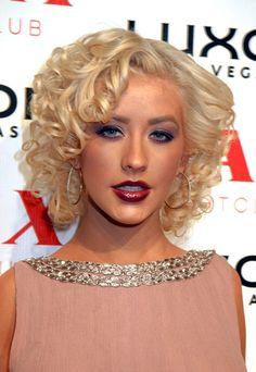 Christina Aguilera's Fabulous Curly Bob Cut