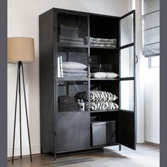 Industrial Living, Industrial Furniture, Home Furniture, Furniture Design, Industrial Style, Industrial Closet, Industrial Storage, Interior Design Living Room, Interior Decorating
