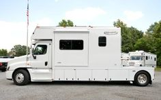 2016 RENEGADE TOTER HOME 14' BOX WITH 2 - SLIDES