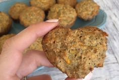 Muffins de Chía y Zanahoria : Delicioso y muy fáciles de preparar, ideales para colación de los niños, y snacks de media mañana Healthy Lunches For Kids, Healthy Sweets, Healthy Cooking, Kids Meals, Baby Food Recipes, Sweet Recipes, Baking Recipes, Vegan Recipes, Snacks Saludables