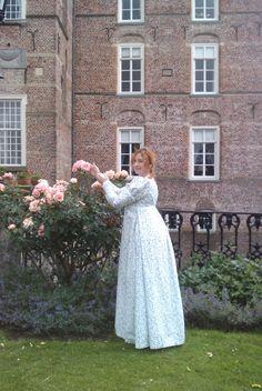 Regency daydress with detachable sleeves Regency, White Dress, History, Sewing, Wedding Dresses, Sleeves, Fashion, Bride Dresses, Moda