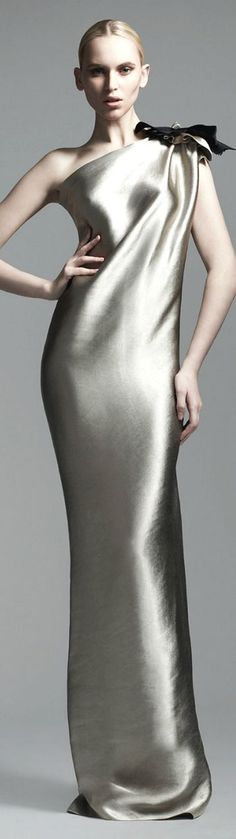 Simply draped, but pure elegance from Lanvin.Pinterest : @stylexpert #stylexpert