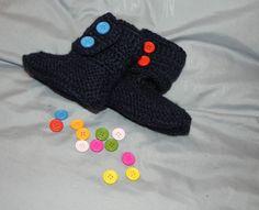 Scarpette-stivaletti stile Hugg  BLU con bottoni colorati  DA 1 A 4 MESI CIRCA