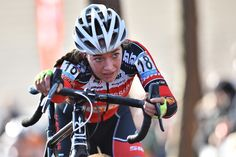 Sophie De Boer heeft zondag de Soudal Classics op haar palmares gebracht. De Nederlandse klopte in de sprint Sanne Cant. Ellen Van Loy vervolledigde het podium.