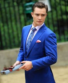 When blue was the color that made you warmest. | 23 Times Chuck Bass Gave You Intense Suit Goals