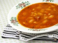 Ciorba de fasole cu tarhon Romanian Food, Thanksgiving Menu, Looks Yummy, Desert Recipes, Clean Eating, Deserts, Yummy Food, Favorite Recipes, Dishes