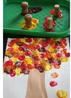 Herbstdeko basteln - Tolle DIY Bastelideen zum Herbstanfang Kids Crafts thanksgiving diy crafts for kids Kids Crafts, Thanksgiving Crafts For Toddlers, Preschool Crafts, Projects For Kids, Tree Crafts, Diy Thanksgiving, Fall Toddler Crafts, Autumn Crafts For Kids, Summer Crafts