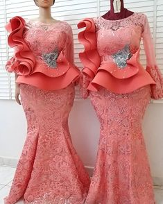 😎Double dose of Gorgeousness😎 . May our weekend be merry and fun🍑🍑💃💃😍😍🥰🥰🎉🎉❣❣🍑🍑 . Same fabric, Different Beautiful Slays . For Enquiries… African Party Dresses, Latest African Fashion Dresses, African Dresses For Women, African Print Fashion, African Attire, African Women, Nigerian Lace Dress, Nigerian Lace Styles, African Lace Styles