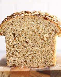 This homemade healthy sandwich bread recipe is soft and made with healthy ingredients like whole wheat flour sunflower seeds poppyseeds sesame seeds oats flaxseed and jus. Healthy Sandwich Bread Recipe, Healthy Bread Recipes, Healthy Sandwiches, Baking Recipes, Kitchen Recipes, Cucumber Bread Recipe, Sesame Bread Recipe, Whole Wheat Sandwich Bread Recipe, Healthy Homemade Bread