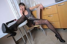 Wanna Lick?  Models: Roxie  Fetishes: High Heels, Cum through pantyhose, Pantyhose