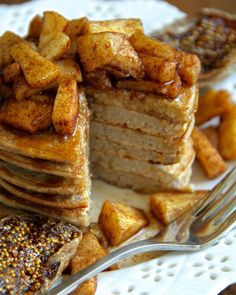 Apple Oat Greek Yogurt Pancakes -- Light, fluffy, and completely irresistible. The oats give the pancakes a lovely texture and boost their nutritional value Greek Yogurt Pancakes, Pancakes And Waffles, Pancakes Kids, Breakfast Pancakes, Clean Eating Recipes, Cooking Recipes, Flour Recipes, Cooking Tips, Apple Recipes