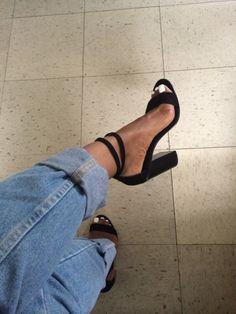 Black heels & boyfriend jeans