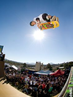 christian hosoi - Thorp and Sailor's Grave Board - Powered by XMB Skateboard Ramps, Skateboard Photos, Old School Skateboards, Skate Surf, Thrasher, Old Skool, Bmx, Looking Up, Picture Wall