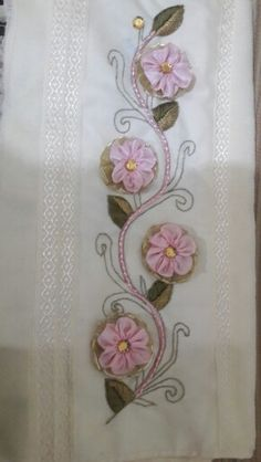 Ribbon Work, Silk Ribbon, Machine Embroidery Designs, Embroidery Patterns, Beading Projects, Ribbon Embroidery, Needlework, Diy And Crafts, Stitch