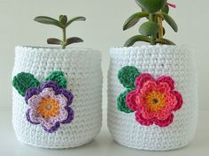 The most beautiful Crochet basket and straw models Crochet Cup Cozy, Crochet Home, Crochet Designs, Crochet Patterns, Hand Built Pottery, Easter Crochet, Crochet Accessories, Beautiful Crochet, Crochet Flowers