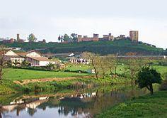Os invitamos a pasear por el Castillo de Alcalá de Guadaíra.  #historia #turismo  http://www.rutasconhistoria.es/loc/castillo-de-alcala-de-guadaira