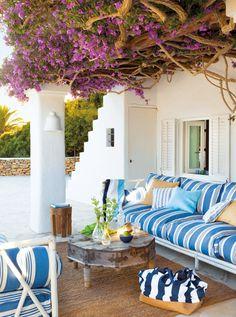 terrasse de style méditerrannéen moderne