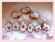 Andílkové malované kamínky