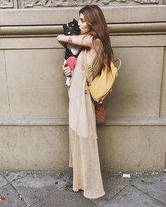 """17.5 mil Me gusta, 66 comentarios - (@lacalurivero) en Instagram: """"Monocromo @marourivero #lamiradademihermana"""" Luxury Life, Lace Skirt, Ready To Wear, Kimono Top, How To Make, How To Wear, Bohemian, Street Style, Style Inspiration"""