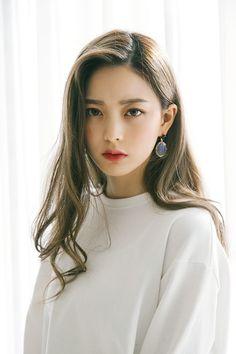 One Love Organics Botanical C Facial Serum Korean Beauty, Asian Beauty, Korean Makeup, Pretty People, Beautiful People, Bora Lim, Facial Serum, Jolie Photo, Laura Lee