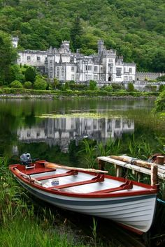 Kylemore Abbey in Connemara National Park - Ireland