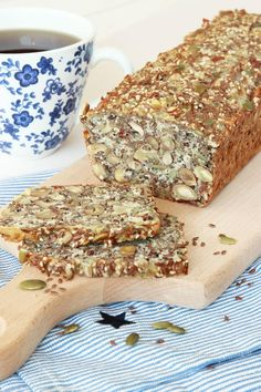kesolimpautanmjöl7 Baking Recipes, Snack Recipes, Healthy Recipes, Different Types Of Bread, No Bake Desserts, Food Inspiration, Good Food, Food And Drink, Tasty