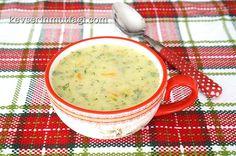 Havuçlu Kabak Çorbası Tarifi - Malzemeler : 2 adet kabak, 1 adet havuç, 1 silme yemek kaşığı tereyağ, 2 yemek kaşığı sıvıyağ, 2 yemek kaşığı un, 1 su bardağı süt, 5 su bardağı su, 1 avuç kıyılmış dereotu, Tuz.