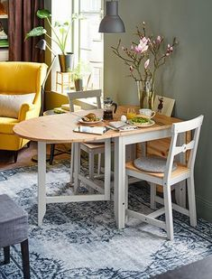Small Living Dining, Tiny Dining Rooms, Living Dining Combo, Living Room Grey, Small Living Rooms, Dining Set, Eat In Kitchen Table, Small Kitchen Tables, Kitchen Table Makeover