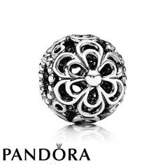 Pandora Picking Daisies Charm 80137 on the lookout for limited offer,no tax and free shipping.#jewelry #jewelrygram #jewelrydesign #jewelrymaking #rings #bracelet #bangle #pandora #pandorabracelet #pandoraring #pandorajewelry