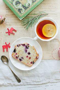 Fruit cake with tea