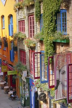 Neal's Yard, London is a small alley in Covent Garden.named after the century developer, Thomas Neale. It is almost like a secret garden in the center of London. What A Wonderful World, Beautiful World, Beautiful Places, Beautiful Streets, Oh The Places You'll Go, Places To Travel, Covent Garden, London Travel, London England