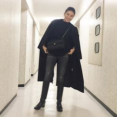 #mulpix ・ Today's outfit ☆ Coat → #gallardagalante Knit → @omekashi_pr Denim → #lucdnm Boots → #christianlouboutin Bag → #chanel ・ NYで撮影した ガリャルダ ガランテの ロングコートがメインな オールブラックスタイル ・ コーディネイトのポイントと アザー写真はBlogにアップしてます。 ・ #kumicloset