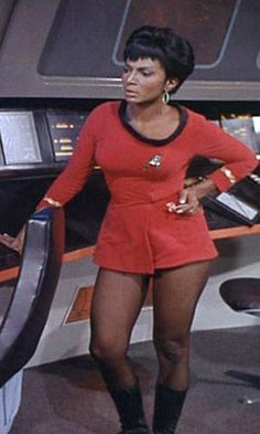"""""""Why were the Star Trek TOS female uniform skirts so short?"""" The """"short"""" answer is that the show was produced in the Miniskirts and go-go boots were in fashion back then, so showing female crew members wearing them was not a big deal. Star Trek Enterprise, Nave Enterprise, Star Trek Voyager, Star Trek Tos, Star Wars, Star Trek Cosplay, Nichelle Nichols, Pantyhosed Legs, Star Trek Images"""