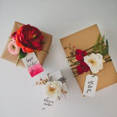Wrapping presents this weekend? Be sure to check out our Gift Wrap #DIY with @afloral silk flowers & gift tags from @alexchoura - you can find the DIY and download our free gift tag template here: http://greenweddingshoes.com/diy-gift-wrap-with-silk-flowers-from-afloral/ #GreenWeddingShoesDIY #GiftWrap #holidayDIY #afloral