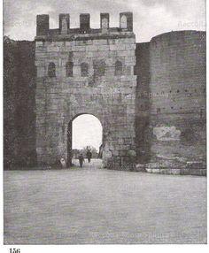 Porta Latina vista dall'esterno. Anno: 1941 Brooklyn Bridge, Latina, Walls, David, Antiques, Travel, Rome, Italia, Pictures
