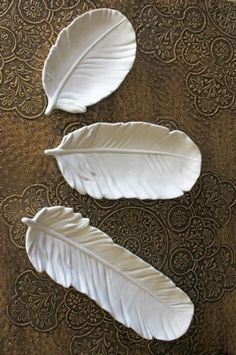 Set of 3 White Ceramic Feather Dishes